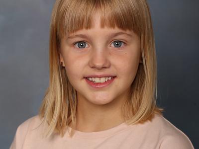 Porträttbild på Ella Hedlund