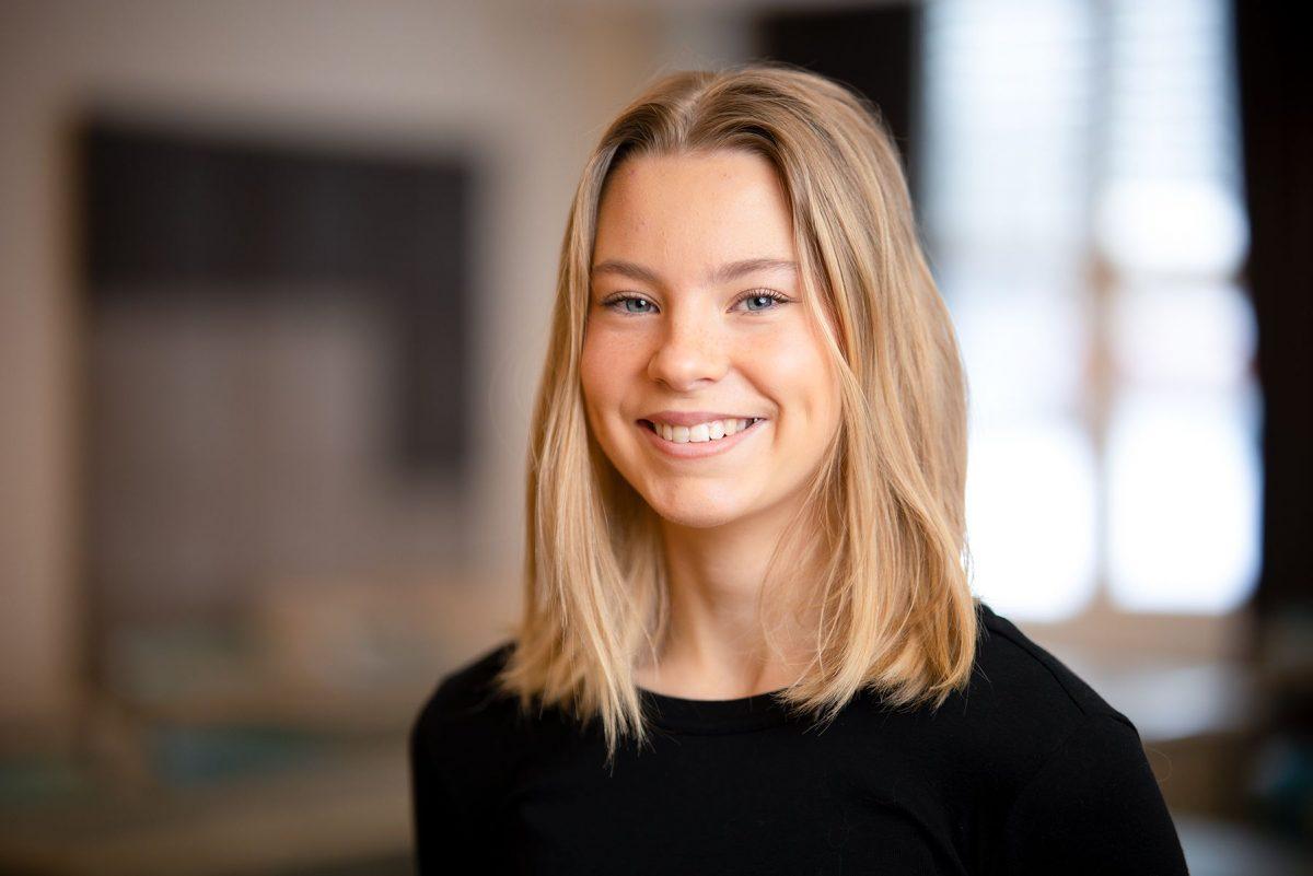 Porträttbild på Alma Mennborg