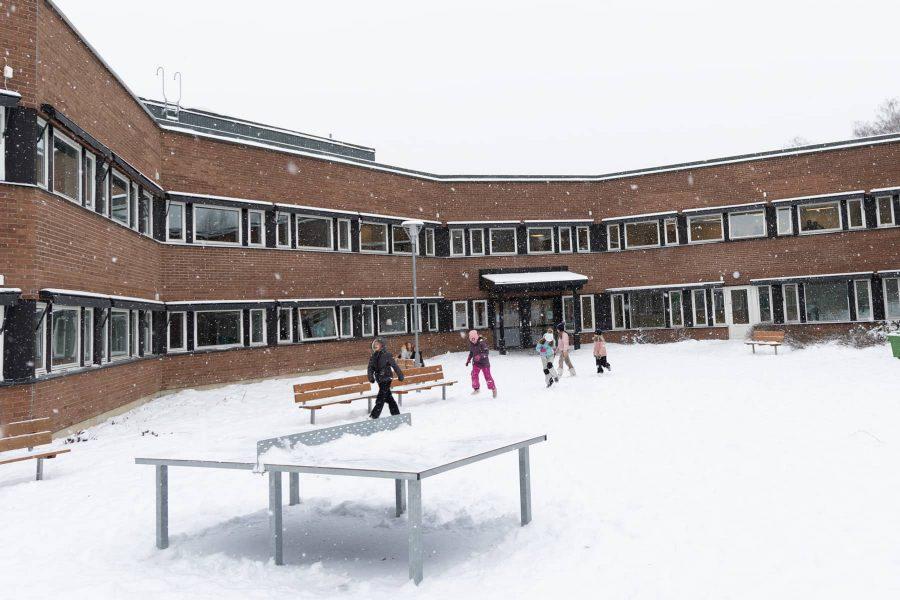 Vinterdag på Prolympia Norrköpings skolgård