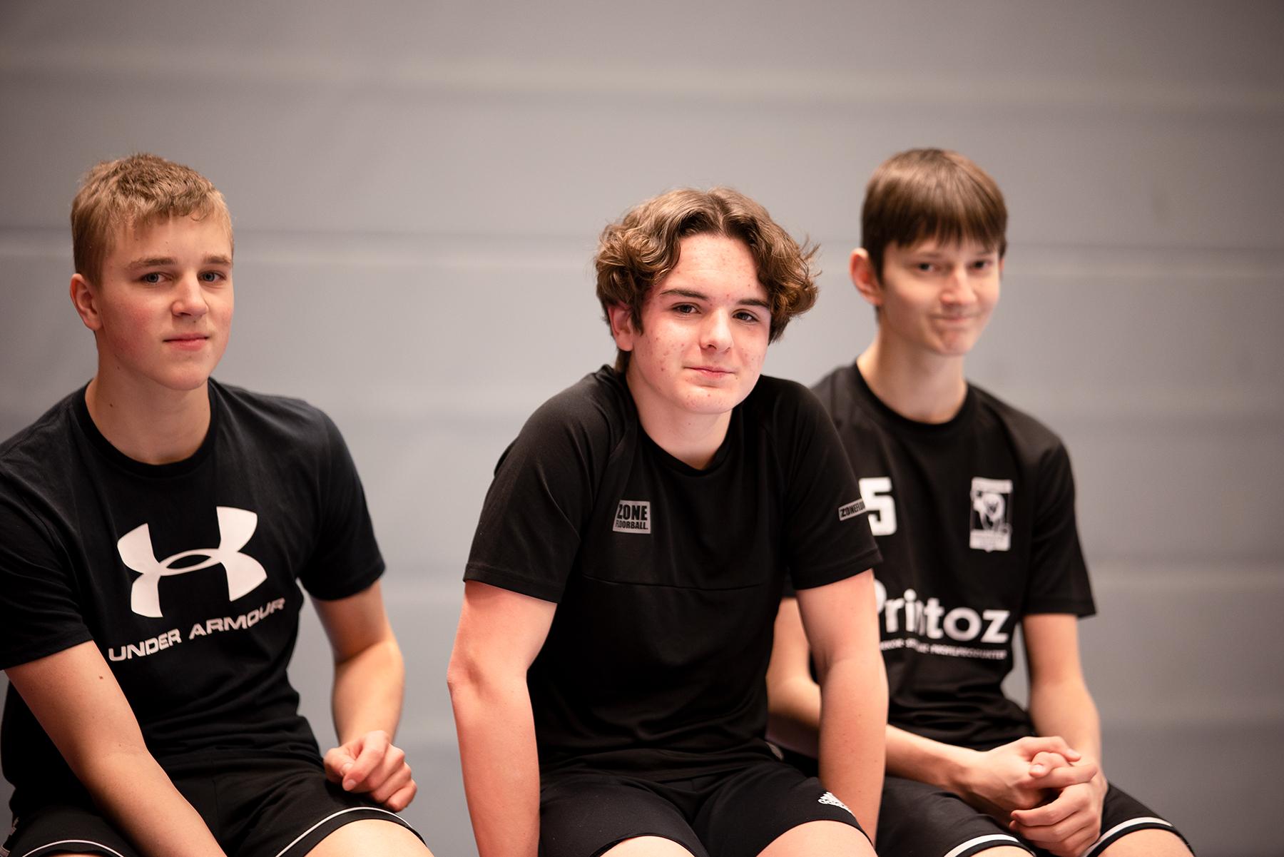 Tre killar som är elever på Prolympia