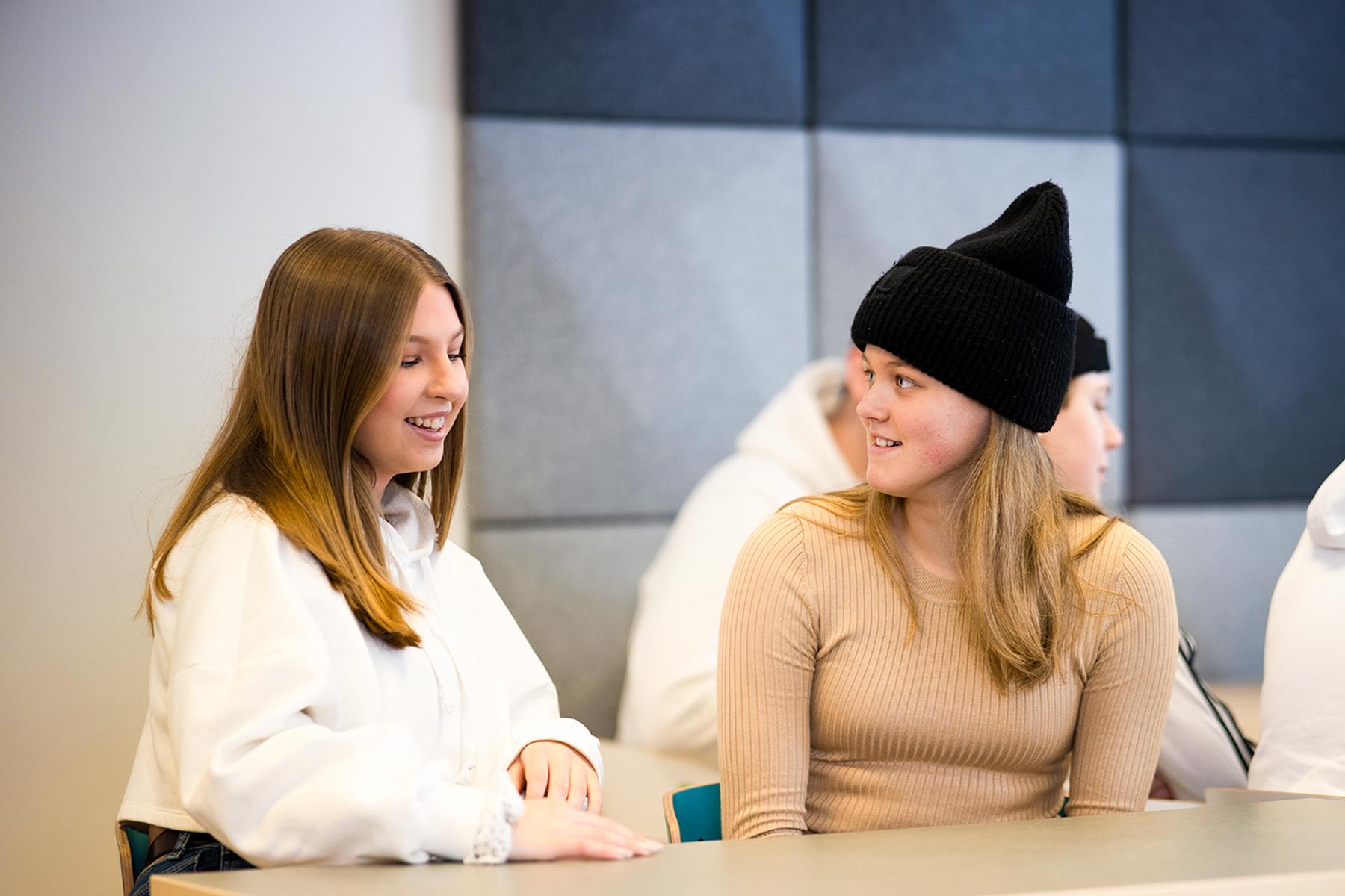 Två elever på Prolympia
